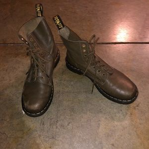 Dr. Martens Green 1460 Pascal Boots